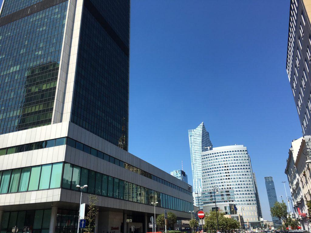 Wynajem Auta Warszawa Centrum i Lotnisko Okęcie oraz Modlin
